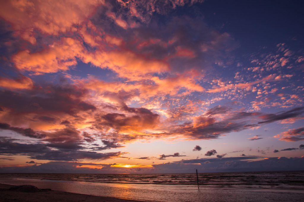 Holiday home Nitaiga purple sunset